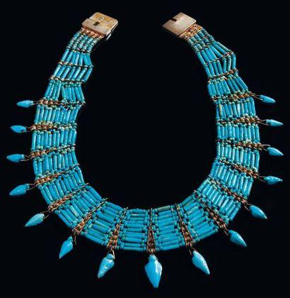 Collier formé de perles tubulaires et de...