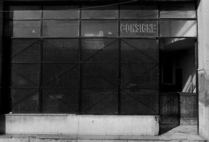 Michel BEINE La Consigne, Avenue d'Espagne, Tanger 2004 Tirage d'auteur en argentique...