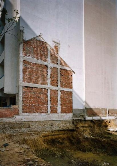 Daniel ARON L'empreinte de Tanger, 2006 C-Print 3/7 H_80 cm L_60 cm Provenance: Don...