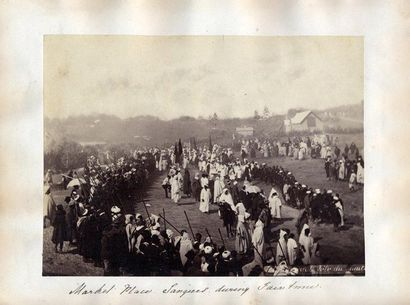 ANONYME Market Place, vers 1880 Albumen print Tirage albumen orginal H_17 cm L_23...
