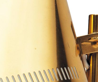 PAAVO TYNELL Lampe de table « 9227 » Laiton marquée Idman. H_40 cm