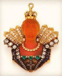 TIFFANY & CO. BROCHE en platine et or jaune 14K (585) à l'effigie de la Reine Victoria,...