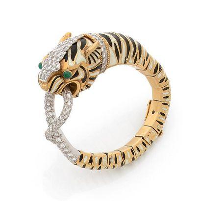 DAVID WEBB. BRACELET « TIGRE » en platine et or jaune 18K (750) émaillé noir et ivoire,...