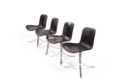 Poul Kjærholm (1929-1980) Série de 8 chaises modèle «PK9» Cuir noir et métal chromé...