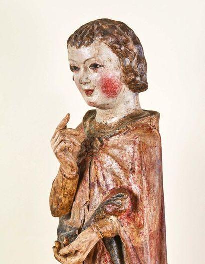 Ange thuriféraire en tilleul sculpté, polychromé et doré, dos ébauché. Visage doux...