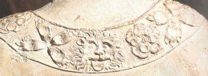 Saint Apôtre (saint Pierre ?) en chêne sculpté en ronde-bosse et polychromé. Debout,...