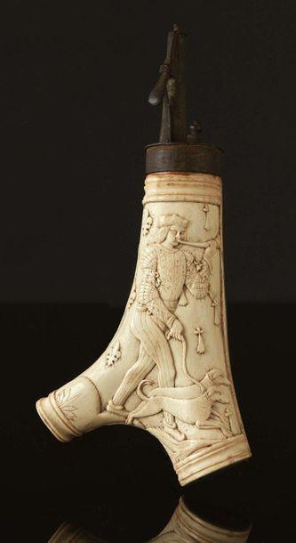 Poire à poudre en bois de cerf sculpté en...