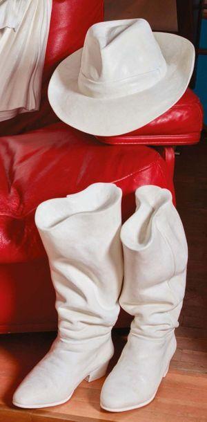 LORIS MARAZZI (VENEZIA XX - XXI SECOLO) Cappello e stivali da cowboy, sculture in...