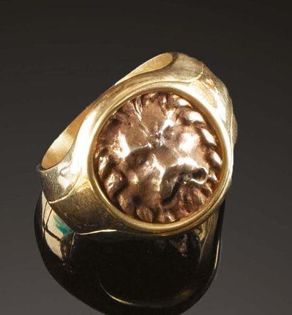 Anello in oro «Testa di leone», esemplare...
