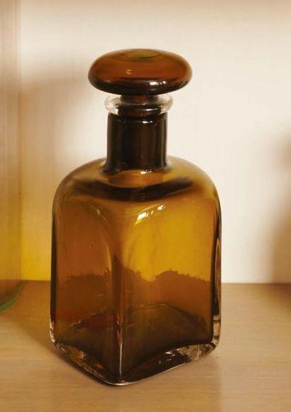 PAOLO VENINI Bottiglia in vetro verde marrone con tappo d'origine. Firmata MURANO...