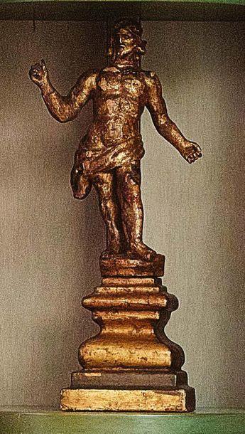 Cristo Resuscitato in legno scolpito con tracce di doratura Italia, XVII secolo...