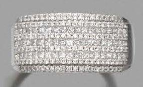 BAGUE BANDEAU en or gris 18K (750) ornée...