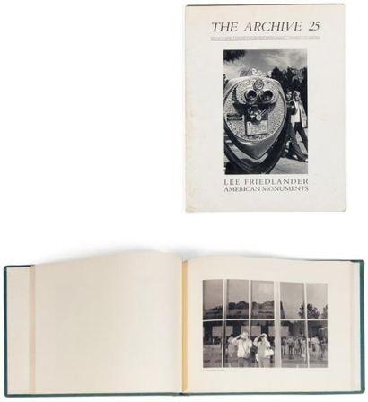 FRIEDLANDER, LEE (1934) The American Monument. New York: Eakins, 1976. Relié avec...