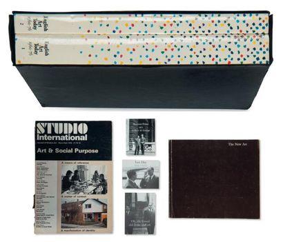 Ensemble de cinq ouvrages: THE NEW ART The New Art. London: Arts Councils Publications,...