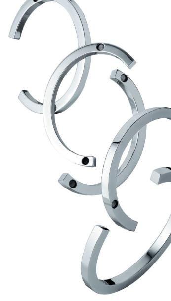 ORA-ÏTO / CHRISTOFLE Abstract'Ito Bracelet manchette set de cinq. Argent massif....