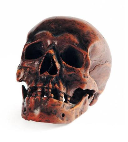 Crâne monoxyle en buis sculpté, memento mori....