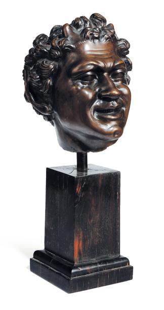 Importante tête de faune souriante en bronze...