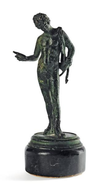 Narcisse en bronze à patine antique. Terrasse...