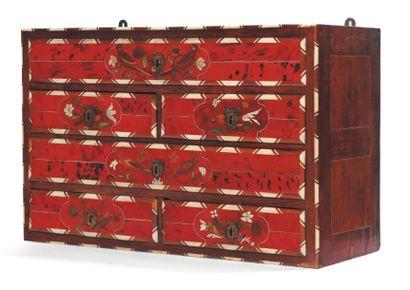 Petit cabinet en écaille rouge, ivoire et...