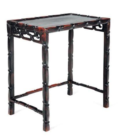 Petite table H_62 cm L_55 cm P_36 cm