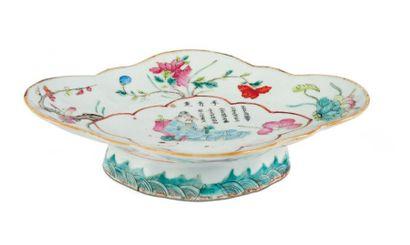 Ravier en porcelaine, à décor d'un poète...