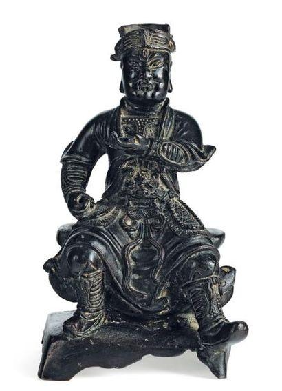 Guandi assis en bronze. Chine, époque Ming...