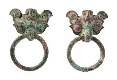 Deux Tao Tie en bronze. Époque Zhou (4e siècle...