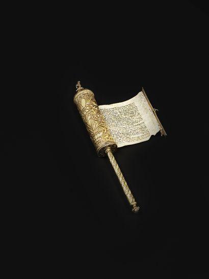 ÉTUI DE ROULEAU D D'ESTHER EN VERMEIL Italie, vers 1800 Cet étui est très richement...