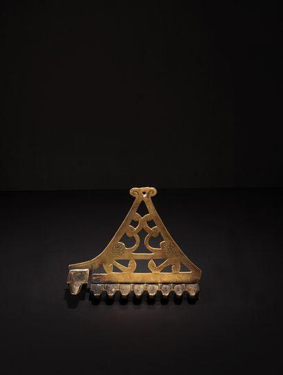 RARE LAMPE DE HANNUKA EN BRONZE Comtat Venaissin, XVIIe siècle Cette lampe triangulaire...