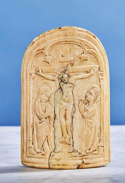Grand baiser de Paix en ivoire sculpté de...