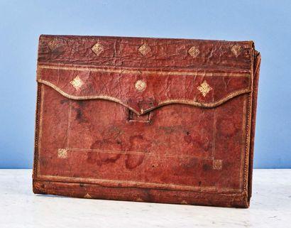 Lot composé de deux portefeuilles : - portefeuille...