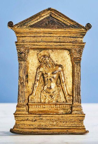 BAISER DE PAIX en bronze ciselé et doré,...
