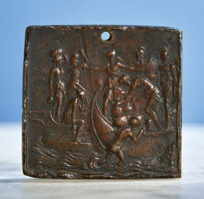 PLAQUETTE de forme carrée en bronze patiné...