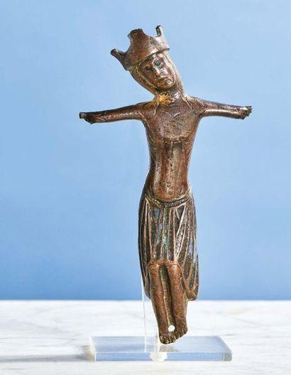CHRIST d'applique en cuivre champlevé, gravé...