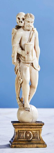 Allégorie du Temps en ivoire finement sculpté...