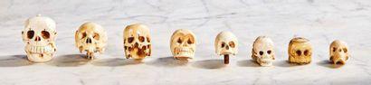Crâne en ivoire sculpté. XVIIe siècle Hauteur : 3,8 cm - Largeur : 4,5 cm Poids...