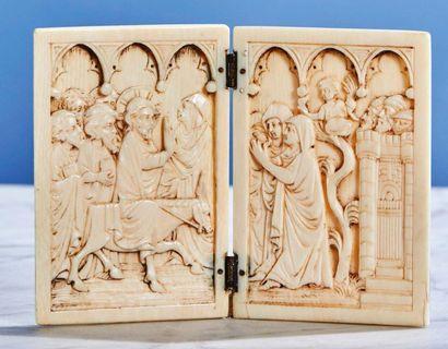Diptyque en ivoire sculpté représentant l'Entrée...