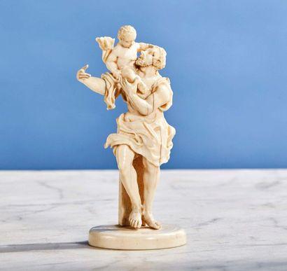 Saint Christophe en ivoire sculpté. Le Porte-Christ...