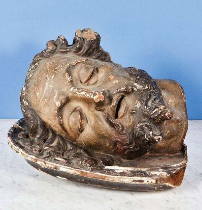 Tête de saint Jean-Baptiste en noyer sculpté...