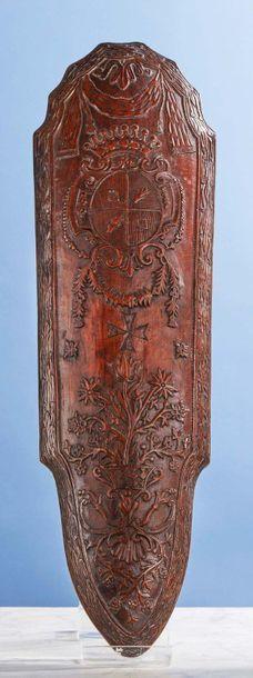 Grande râpe à tabac en bois fruitier sculpté...