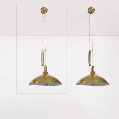 Paavo Tynell (1890-1973) Suspension modèle «A 1965» Laiton doré et tissus Gilt brass...