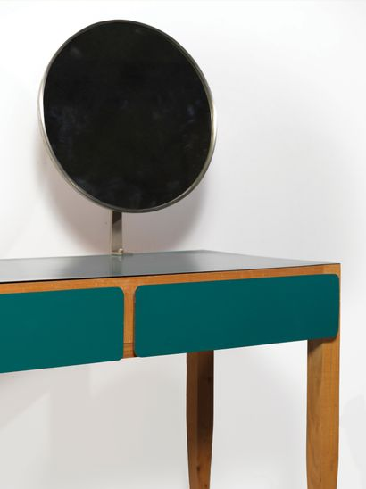 Gio PONTI (1891-1979) Coiffeuse Noyer, bois mélaminé et miroir Walnut, melamine wood...