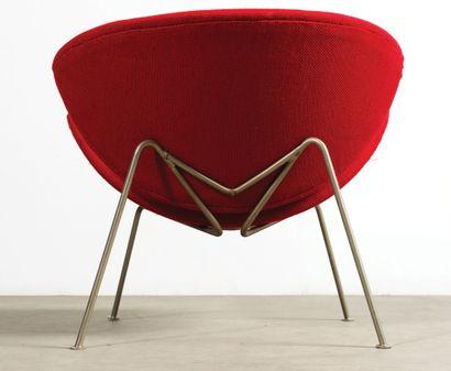 Pierre PAULIN (1927-2009) Deux fauteuils modèle «Slice» Métal tubulaire, mousse et...