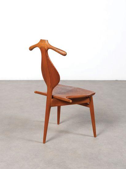Hans WEGNER (1914-2007) Chaise dîte «Valet chair» modèle «JH540» Teck, pin d'Orégon,...