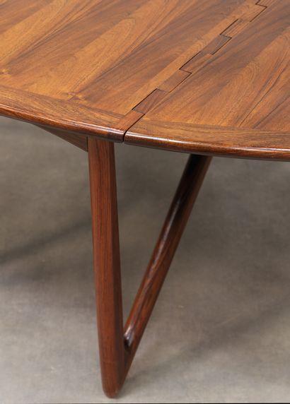 NIELS KOEFOED (Né en 1929) Table à double abattants Palissandre Rosewood Édition...