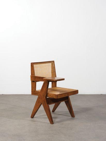Pierre Jeanneret (1896-1967) Chaise écritoire dîte «writing chair» Teck et cannage...
