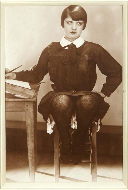 [PHOTOGRAPHIE]. L'Écriture automatique. Sans lieu ni date [vers 1920]. Tirage argentique,...