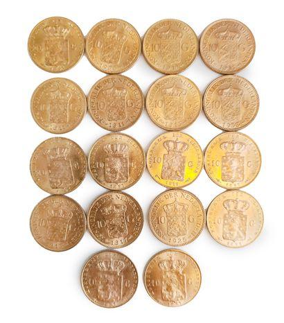 Lot de 18 pièces de 10 Gulden en or.  Titre or : 900 millièmes  Poids total : 120,...