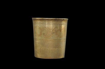 Timbale en argent (925), à décor de rinceaux...