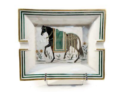 Hermès  Cendrier en porcelaine à décor du...